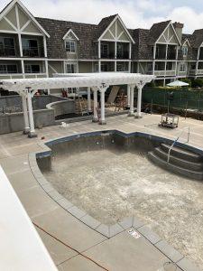 Pool, pergola